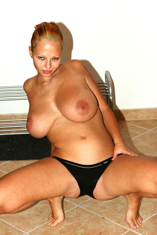 naurunappula xxx kauniit alastomat naiset